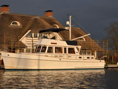 essence-refits-grandbanks46-03